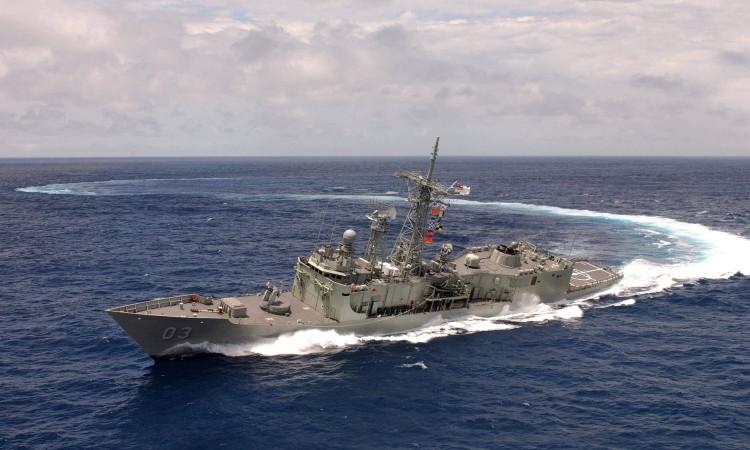 Navy-Ship-Turning-Wallpapers